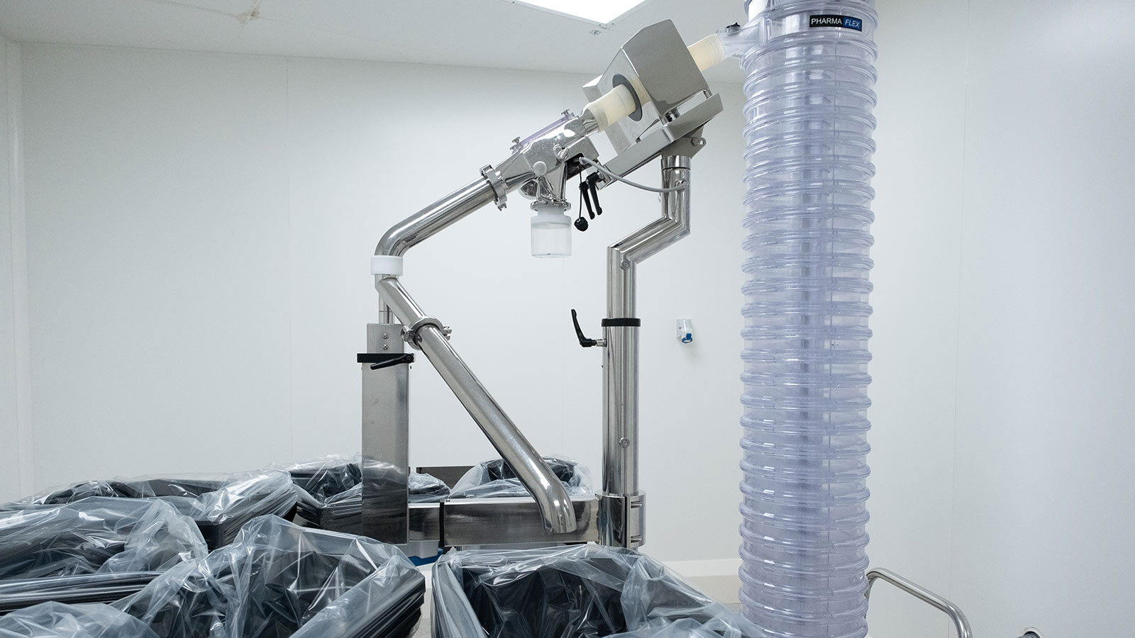Tableting machine in a clean room
